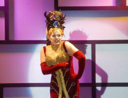 Neusa Romano como Ethel Merman no Musical Cole Porter